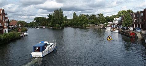 thames river boats to windsor river thames path national trail