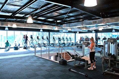 gym pictures file spacious gym floor jpg wikipedia