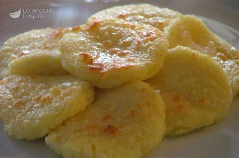 come si cucina il semolino ricetta gnocchi di semolino gratinati le ricette dello