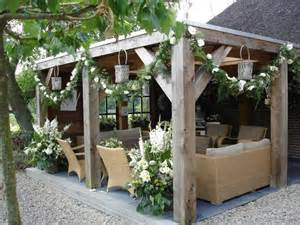 Gazebo Patio Ideas Onmisbaar In De Klassieke Tuin Een Gezellige Plek In De Tuin Gemaakt Robuuste Materialen