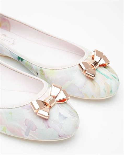 Sepatu Balet Hello 17 best ideas about bow flats on bow shoes