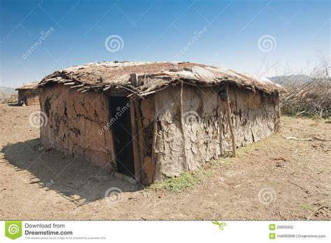 hutte masai massai h 252 tte gemacht vom kuhmist stockfotografie bild