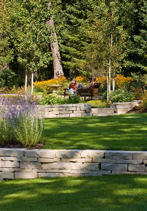 retaining wall backyard 1000 images about tiered retaining wall ideas on