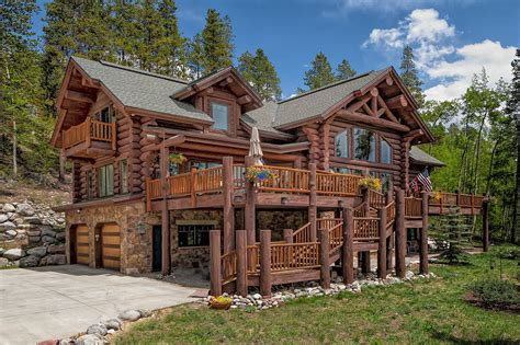 log cabin lodge breck