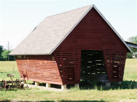 How To Build A Corn Crib by How To Build A Corn Crib Plans Free