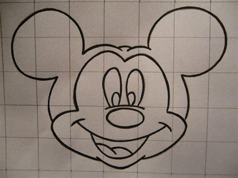 como hacer a mickey mouse en hoja cuadriculada a cuadritos como dibujar cara de mickey mouse imagui