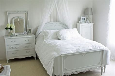 Bedrooms With White Bedding by I M Dreaming Of A White Bedroom