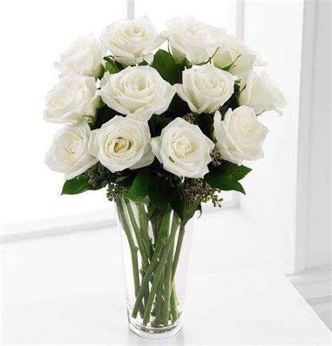 White Roses In Vase by White Roses Arranged In Vase Kremp