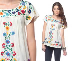 Mexican embroidered blouse floral white top 70s by shopexile