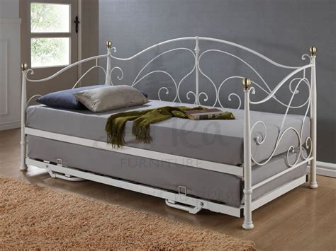 a day bed everything plus a daybed mattress for cheap best mattresses reviews 2015
