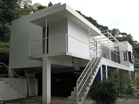 the controversy regarding the restoration of eileen gray s