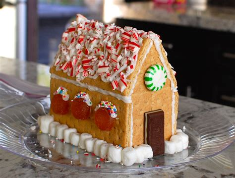 Gingerbread House With Graham Crackers by How To Make A Gingerbread House From Graham Crackers The