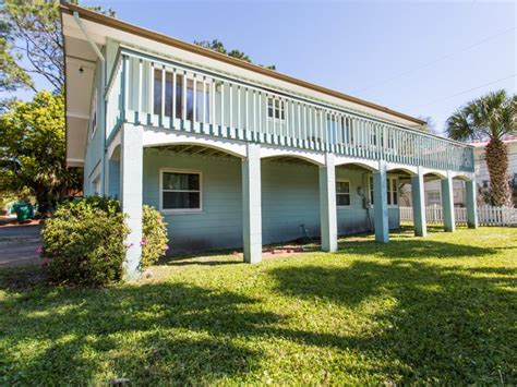 This Vacation Rental On Tybee Island Conveniently Located Tybee Houses