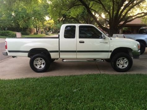 toyota hunting truck toyota 4x4 lifted ranch or hunting truck ford chevy dodge