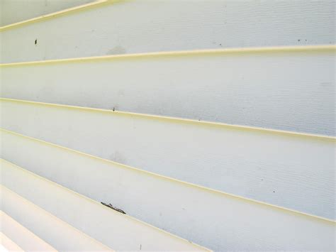best way to clean vinyl siding on house learn the best way to clean vinyl siding how tos diy