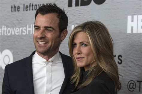 Heavy Flirting And The Season by Aniston And Justin Theroux Wedding In Trouble