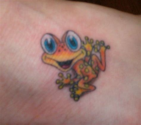 cute little frog tattoo frog tattoos pinterest