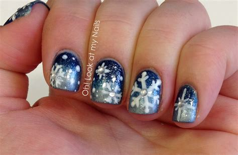 snowflake pattern on nails 31 plain nail art snowflake ledufa com