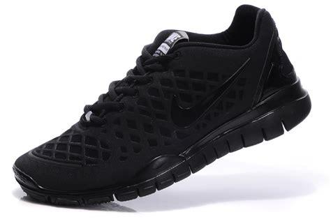mens nike black shoe