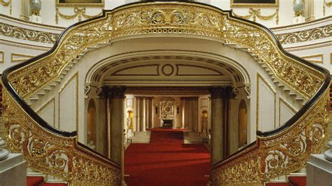 Dining Room Columns by Top 10 Things To See On Buckingham Palace Tour London