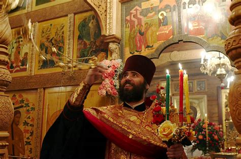 8 Practical Ways To Celebrate Easter Churchleaders Russia Orthodox Russians Prepare For Easter
