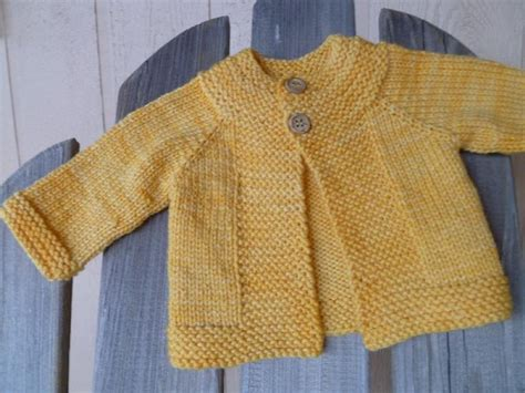baby cardigan knitting pattern easy 44 best easy baby cardigan knitting patterns images on