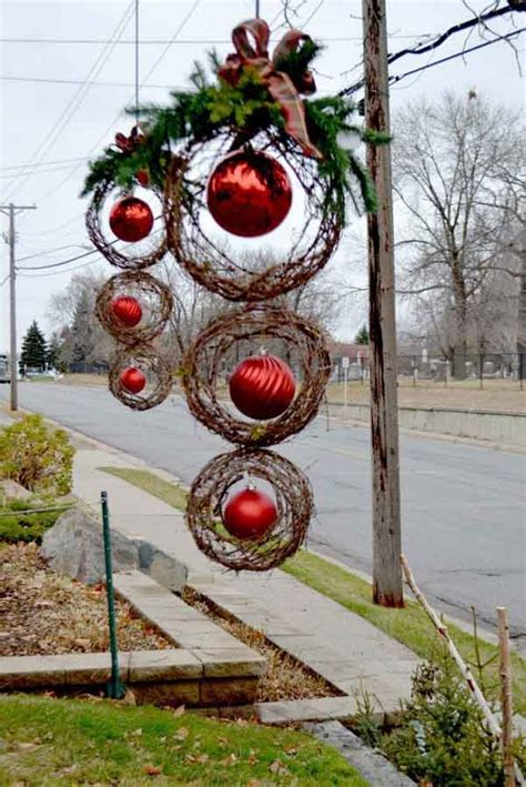 home made outdoor christmas decorations 25 top outdoor christmas decorations on pinterest easyday