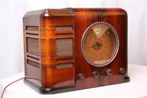 Small Desk Radio Today S On Vintage Radios For Deco And Mid Century Aficionados Freshome
