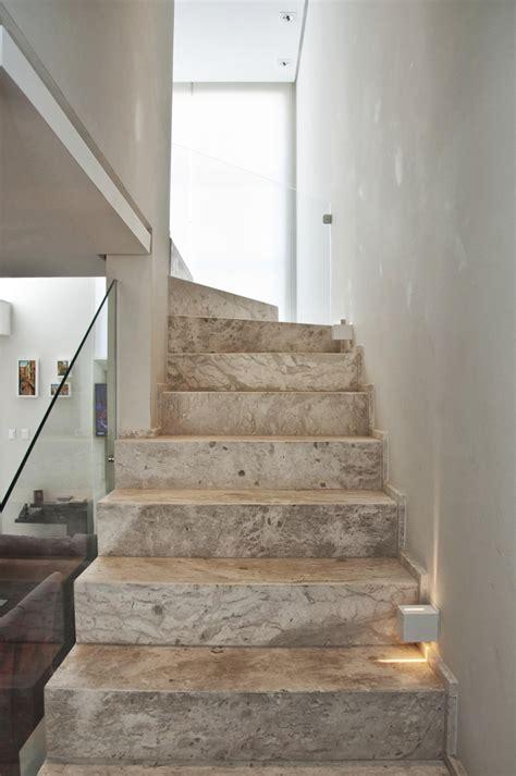 kosten glasgel nder treppe 50 moderne treppen die ihr interieur v 246 llig ver 228 ndern k 246 nnen
