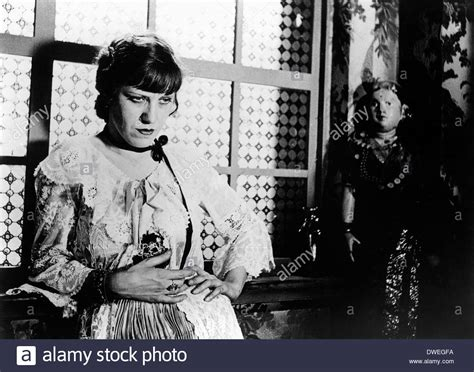 die dreigroschenoper lotte lenya on set of the film quot the threepenny opera die stock photo royalty free image