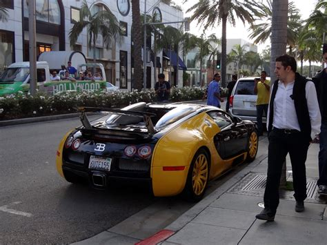 yellow bugatti bugatti veyron black and yellow price 2012 bugatti veyron