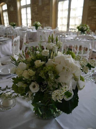 petali di fiori per matrimonio oltre 25 fantastiche idee su matrimoni bianchi su