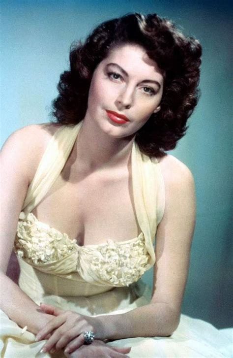 old hollywood on pinterest old hollywood glamour old hollywood ava gardner 1955 ava gardner la condesa descalza