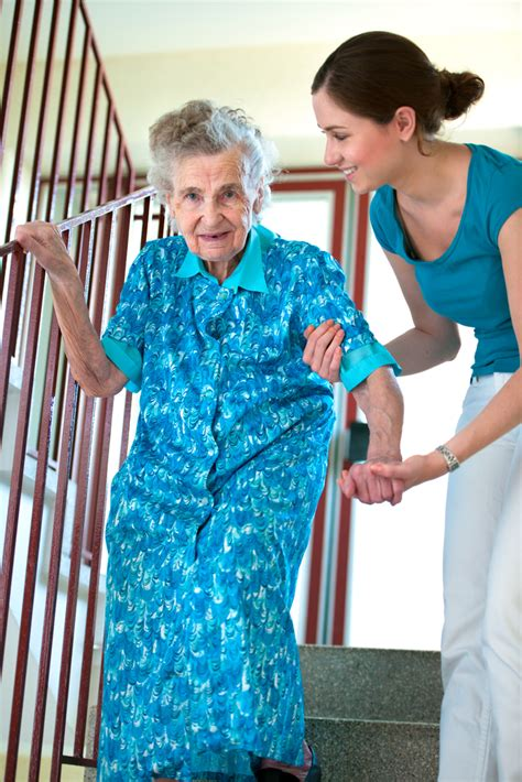 3 signs your loved one needs home health care assistance