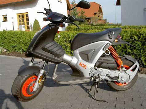 Motorrad Fahren Wieder Anfangen by Motorbike