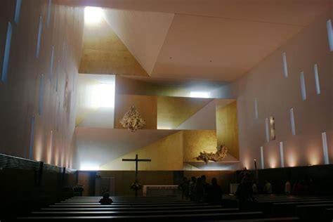 imagenes religiosas minimalistas interiores iglesias cristianas