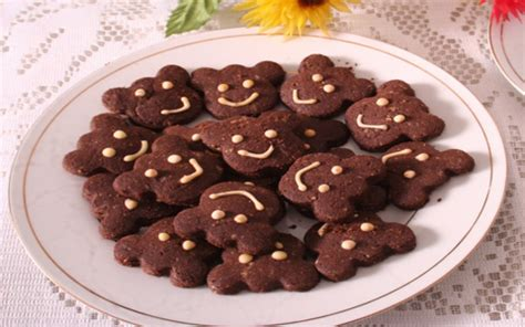 Cara Membuat Kue Kering Karakter Kartun | resep cara membuat kue kering coklat kacang karakter