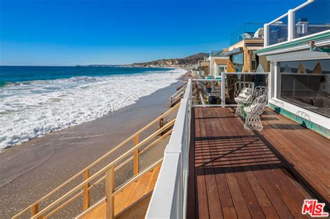 trulia malibu this romantic malibu beach house owned by judd apatow and