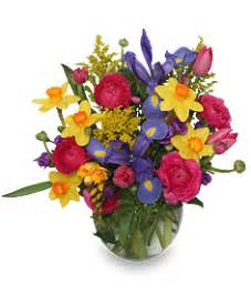 How To Care For Cut Flowers In A Vase Spring Promises Flower Bouquet Spring Flowers Flower