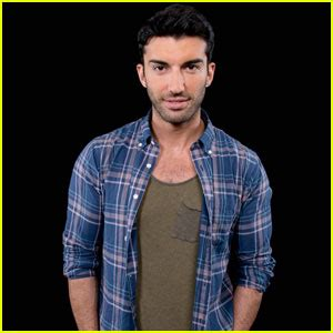 justin baldoni breaking news and photos just jared jr page 5 emily foxler photos news and videos just jared jr