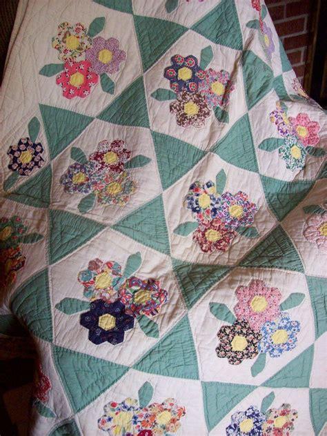 vintage flower pattern quilt this quilt brings a flower garden inside flower gardens
