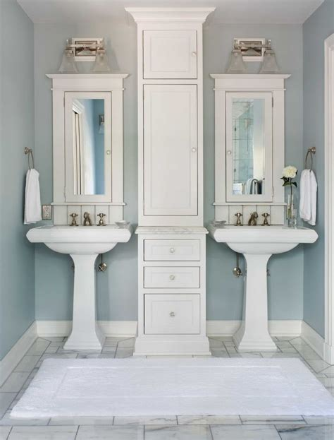 dual sinks small bathroom 1000 ideas about pedestal sink bathroom on pinterest