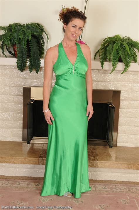 elegant 46 year old tammy sue glides out of her green