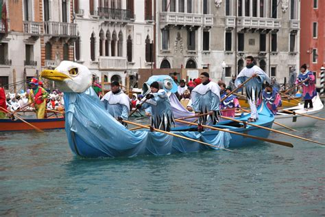 venice dragon boat festival 2017 venice carnival water parade dreamdiscoveritalia