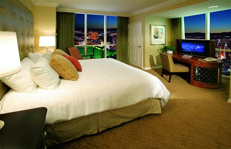 signature one bedroom balcony suite the signature at mgm grand reviews photos rates