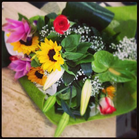 buche di fiori per compleanno bouquet di fiori per compleanno con girasoli