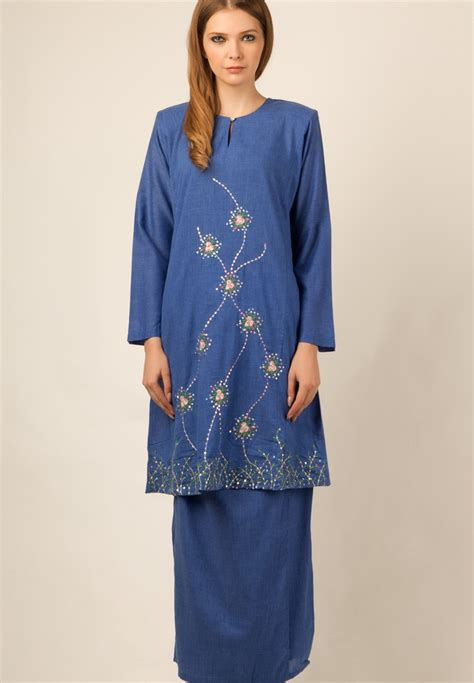 Imej Baju Melayu Teluk Belanga pakaian mengikut kaum di malaysia malaysiaku