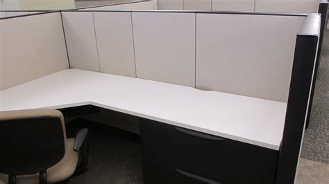 haworth premise  medium panels  cubicles