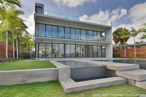 mayweather house inside floyd mayweather jrs new mansion ysdwysd