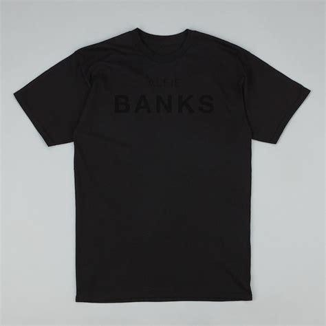 T Shirt Discovery alfiebanks 174 discovery unisex t shirt black on black